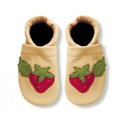 Krabbelschuhe mit Erdbeere 2